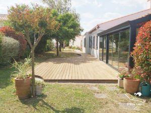 conception terrasse bois frene thermo traite obleulagon vendee
